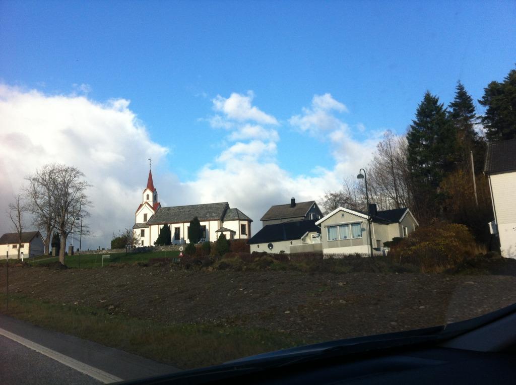 Vestnes kirke
